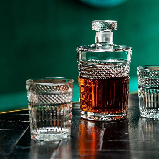 Radiant Decanter with glass stopper 1 liter 1/box